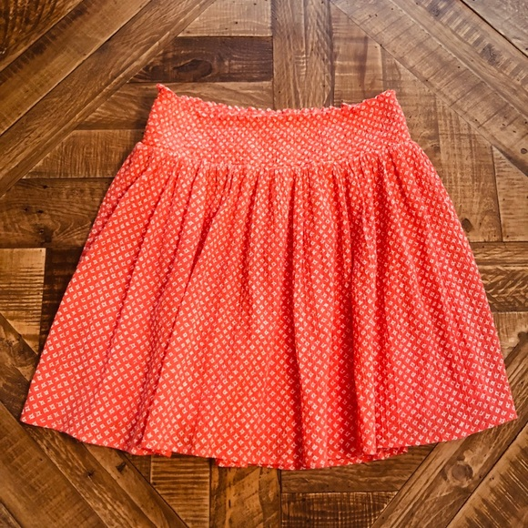 Old Navy Dresses & Skirts - Red and White Printed Skirt